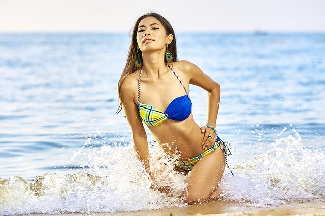 moře, žena, plavky